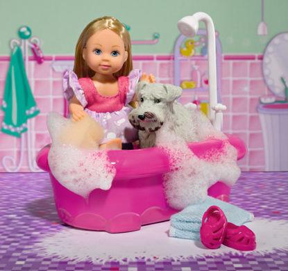 Obrázek Panenka Evička koupe pejska