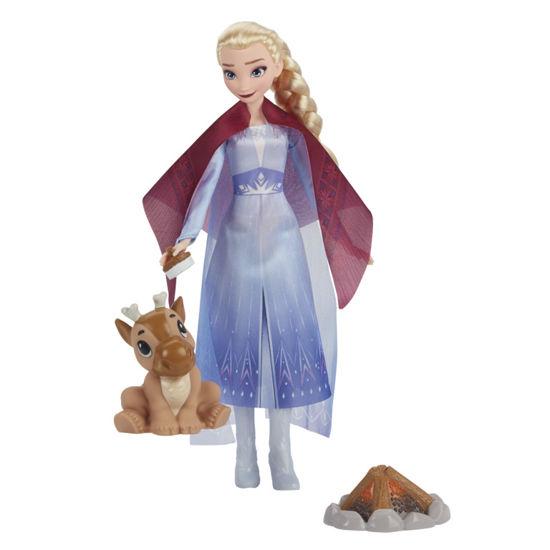 Obrázek z LEDOVÉ KRÁLOVSTVÍ 2 panenka Elsa - přátelé u táboráku